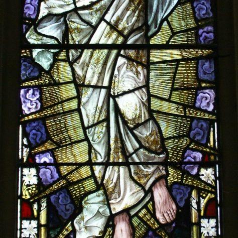 Stained glass depicting Christ in Glory | WMC